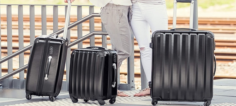 ee442c528 Comprar un juego de maletas es una opción aconsejable si sueles hacer viajes  más o menos largos asiduamente, ya que tener maletas del mismo diseño pero  de ...