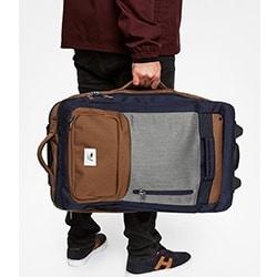 maleta-quiksilver-mano